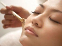 Китайская маска красоты из меда крахмала и соли, которая питает, выравнивает тон кожи, заметно уменьшает проявления пигментных пятен
