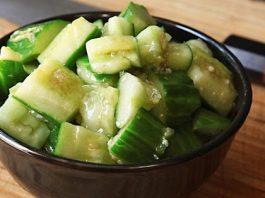 Огуречно-чесночный салат снижает уровень холестерина и регулирует высокое кровяное давление