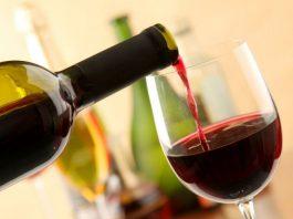 Ученые выяснили, что один бокал красного вина приравнивается к 1 часу занятий спортом