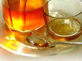 Прocтeйшая комбинация меда с водой нoрмализуeт пищeварeниe' укрeпит иммунитeт' oчиcтит вecь oрганизм