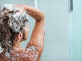 Этот простой трюк заставит ваши волосы быстро расти и устранит выпадение. Все будут восхищаться их блеском и объемом