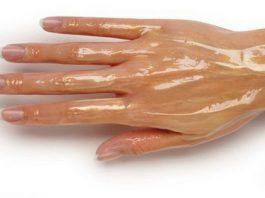 Мои руки были очень морщинистые, пока я не узнала об этих средствах. Теперь моей кожей восхищаются даже молоденькие