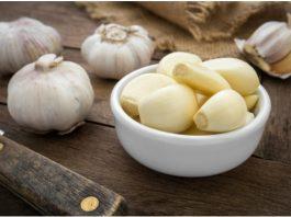 14 уникальных рецептов лечения чесноком. Не выбрасывайте даже шелуху — она спасет от многих бед