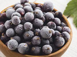 Очень полезная ягода. Смородина в любом виде выводит камни из печени и почек