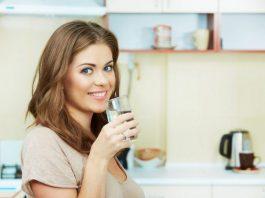 Ученые говорят, что вы 100% пьете воду не в то время. Вот когда надо